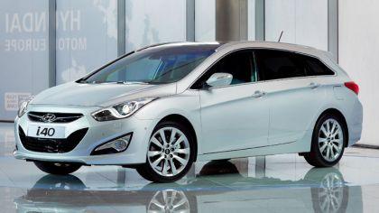 2011 Hyundai i40 station wagon 1