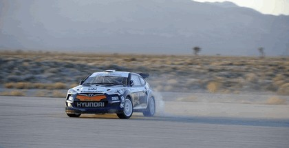 2011 Hyundai Veloster rally car 6