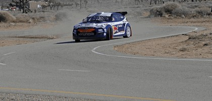 2011 Hyundai Veloster rally car 8