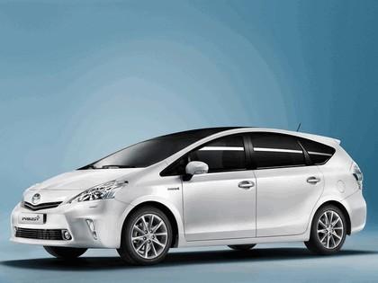 2011 Toyota Prius+ hybrid 1
