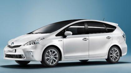 2011 Toyota Prius+ hybrid 2