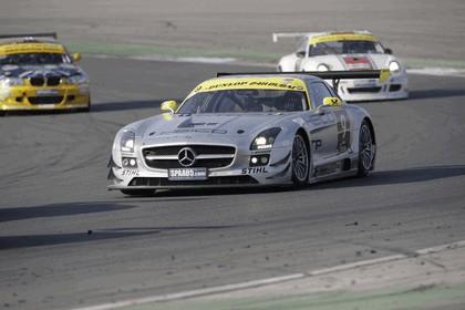 2011 Mercedes-Benz SLS AMG GT3 ( 24-hour Dubai ) 1