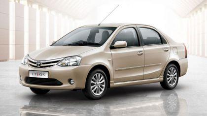 2011 Toyota Etios sedan 7