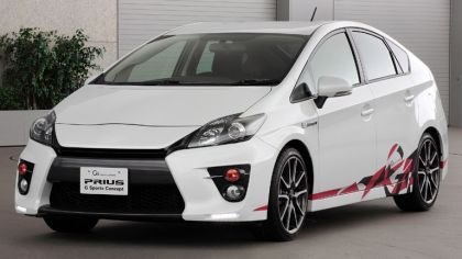 2011 Toyota Prius G sports concept 6