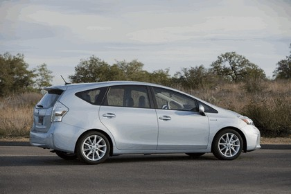 2011 Toyota Prius V hybrid 17