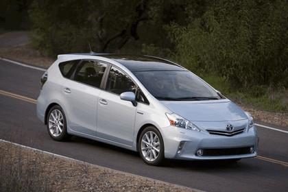 2011 Toyota Prius V hybrid 28