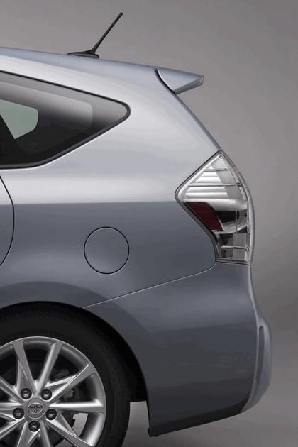 2011 Toyota Prius V hybrid 52