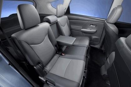 2011 Toyota Prius V hybrid 69