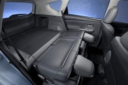 2011 Toyota Prius V hybrid 74