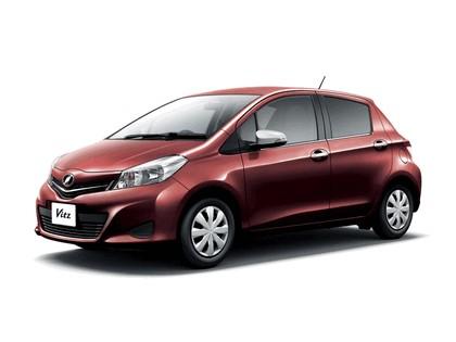2011 Toyota Vitz 2