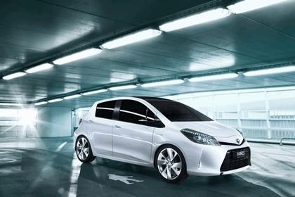2011 Toyota Yaris HSD concept 5