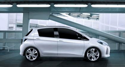 2011 Toyota Yaris HSD concept 10