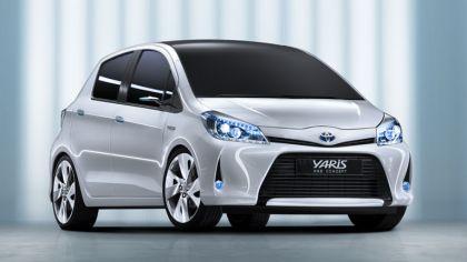 2011 Toyota Yaris HSD concept 8