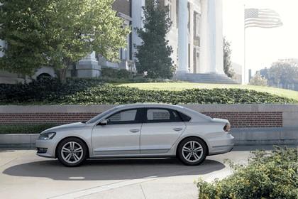 2011 Volkswagen Passat - USA version 13