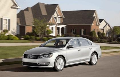 2011 Volkswagen Passat - USA version 16