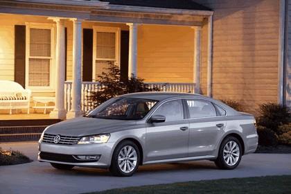 2011 Volkswagen Passat - USA version 17