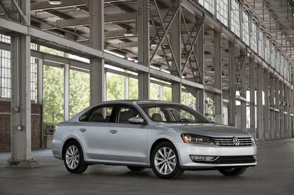 2011 Volkswagen Passat - USA version 19