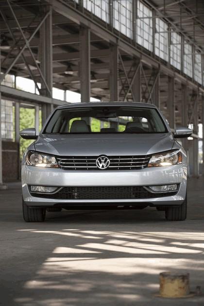 2011 Volkswagen Passat - USA version 21