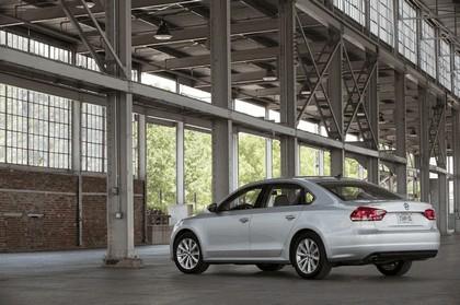 2011 Volkswagen Passat - USA version 22
