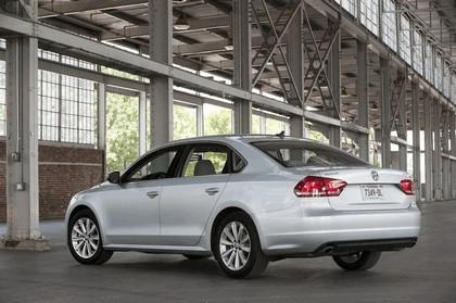 2011 Volkswagen Passat - USA version 24