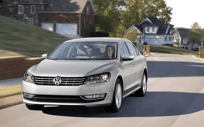 2011 Volkswagen Passat - USA version 25