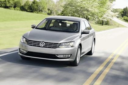 2011 Volkswagen Passat - USA version 27