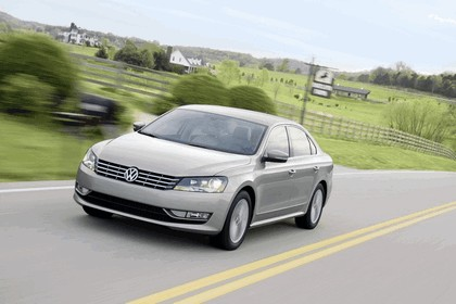 2011 Volkswagen Passat - USA version 29
