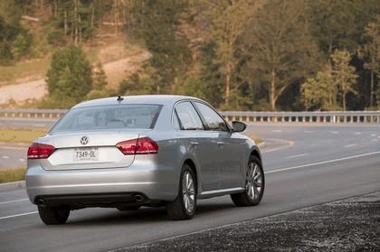 2011 Volkswagen Passat - USA version 36