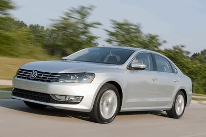 2011 Volkswagen Passat - USA version 38