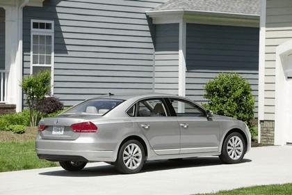 2011 Volkswagen Passat - USA version 42