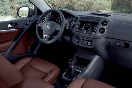 2011 Volkswagen Tiguan 25
