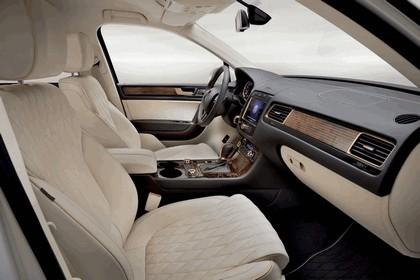 2011 Volkswagen Touareg Gold Edition 5