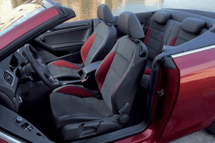 2011 Volkswagen Golf cabriolet 6