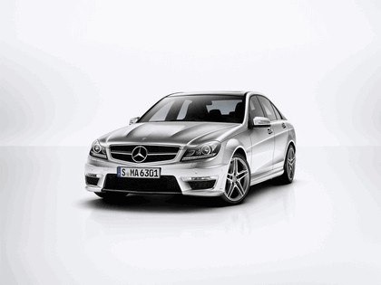 2011 Mercedes-Benz C63 AMG 4