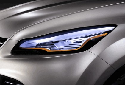 2011 Ford Vertrek concept 21