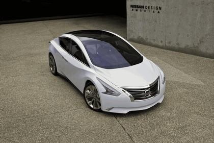 2010 Nissan Ellure concept 1