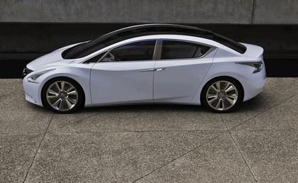 2010 Nissan Ellure concept 3