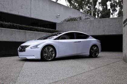 2010 Nissan Ellure concept 6