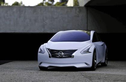 2010 Nissan Ellure concept 7