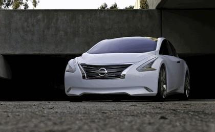 2010 Nissan Ellure concept 9