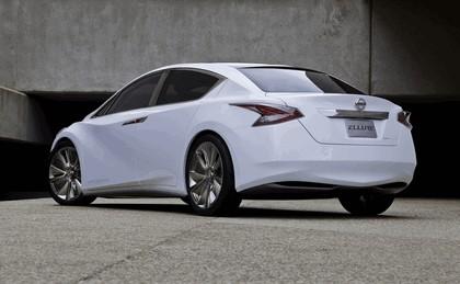2010 Nissan Ellure concept 10