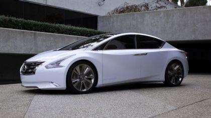 2010 Nissan Ellure concept 8
