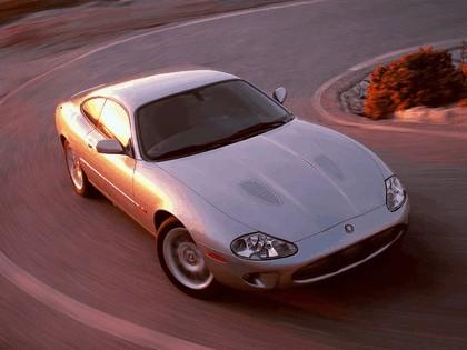 1998 Jaguar XKR coupé 13