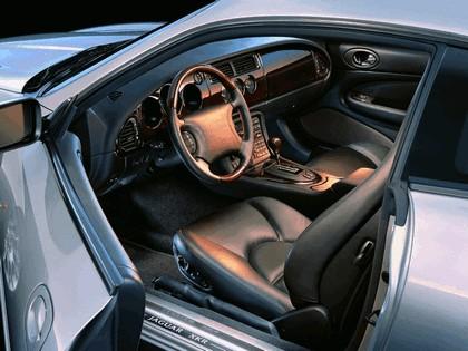 1998 Jaguar XKR coupé 14