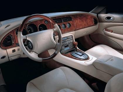 1998 Jaguar XKR coupé 15