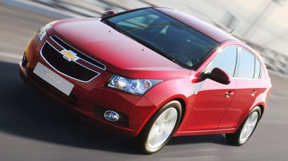 2011 Chevrolet Cruze hatchback 2