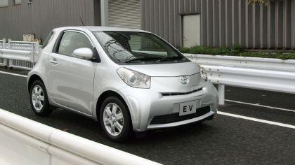 2011 Toyota EV prototype 6