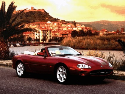1996 Jaguar XK8 convertible 4
