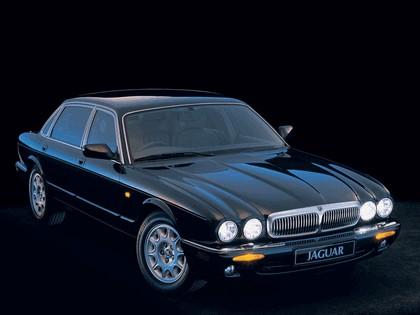 1997 Jaguar XJ8 ( X300 ) 3