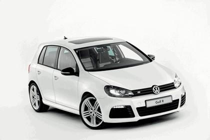 2011 Volkswagen Golf R Oryx White 1